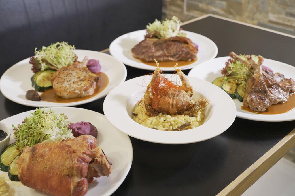 前酒店廚師旺角開西餐廳「L.A Restaurant & Dessert Bar」 軟殼蟹蟹膏飯 /大大件豬手/高質牛扒
