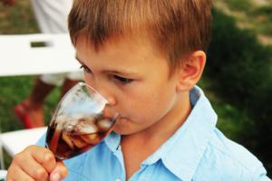 【健康飲食】少年愛喝甜飲食外賣 血糖飆升患急性腎衰竭需洗血