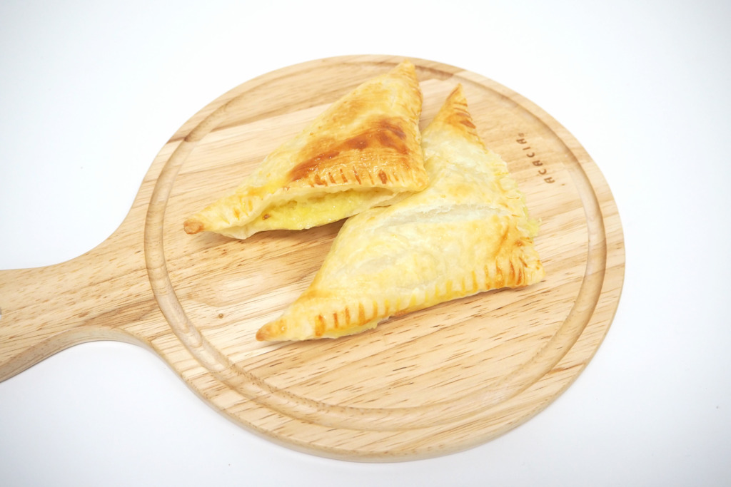 【甜品食譜】榴槤控必食!3步輕鬆自製 金黃香脆榴槤芝士酥