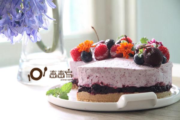 【蛋糕食譜】夏日透心涼甜品食譜 簡易自製莓果雪糕蛋糕