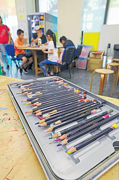 遊樂道多枝筆計劃 基層學生 學畫不是夢