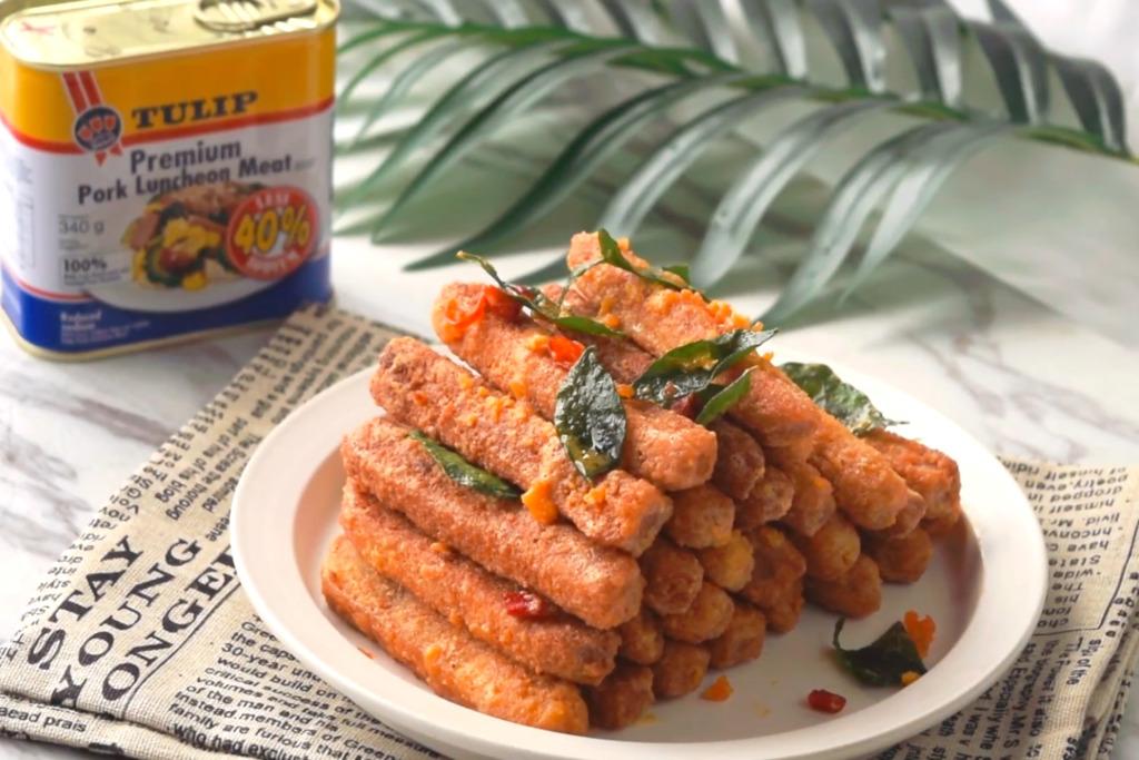 【午餐肉食譜】2種材料就整到鹹香邪惡小食! 鹹蛋黃午餐肉脆條