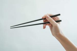 【揸筷子】4步學識正確揸筷子!附常見錯誤筷子拿法+拿筷子秘訣
