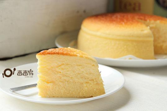 【蛋糕食譜】減糖配方輕盈甜品之選! 檸檬輕乳酪蛋糕