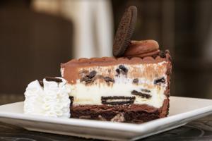 【澳門美食】The Cheesecake Factory登陸澳門!限定葡式燒雞+多款全新菜式