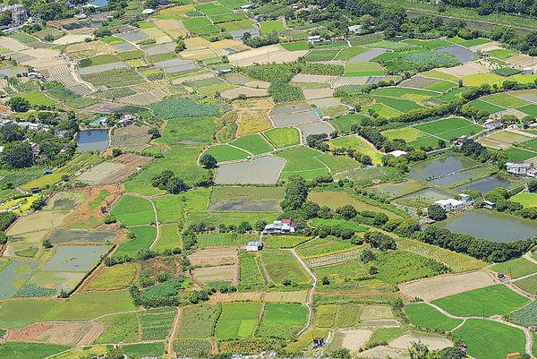 首批地建百戶社會屋 2022年落成 新世界捐300萬呎農地 鄭志剛:出於社會責任