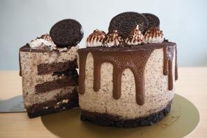 聖安娜西餅店新出OREO曲奇蛋糕系列  口感豐富Oreo花生朱古力蛋糕