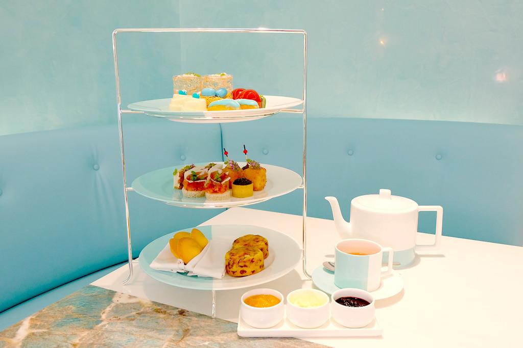 【尖沙咀美食】The Tiffany Blue Box Cafe亞洲首間旗艦店登陸香港尖沙咀 湖水藍玻璃屋歎招牌下午茶+禮物盒造型蛋糕