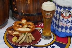 德國小麥啤酒品牌Erdinger聯乘空中酒吧OZONE舉辦「德國啤酒節Oktoberfest」