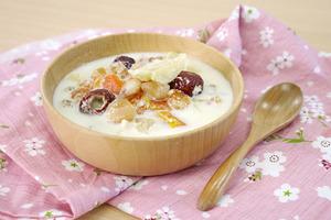 【桃膠糖水】4步完成平民燕窩滋潤糖水  木瓜桃膠燉鮮奶食譜