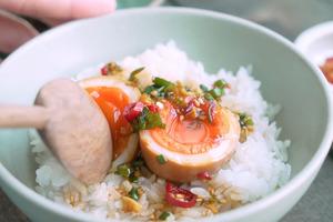 【雞蛋食譜】送飯一流!簡單3步完成 韓式麻藥溏心蛋