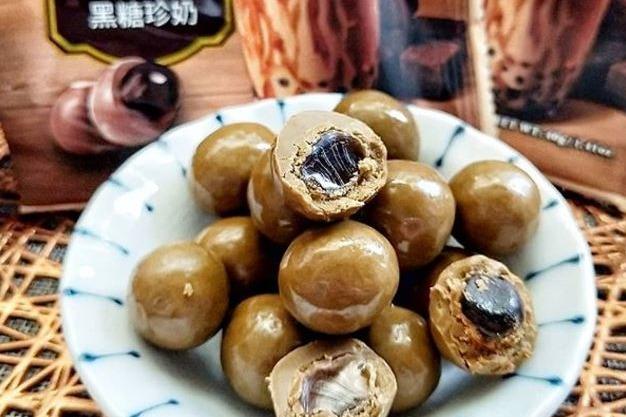 台灣7-Eleven便利店推人氣零食 黑糖珍珠朱古力球