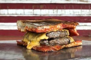 【美國漢堡介紹】旅行美食清單bookmark!網民票選全球50間最佳漢堡店