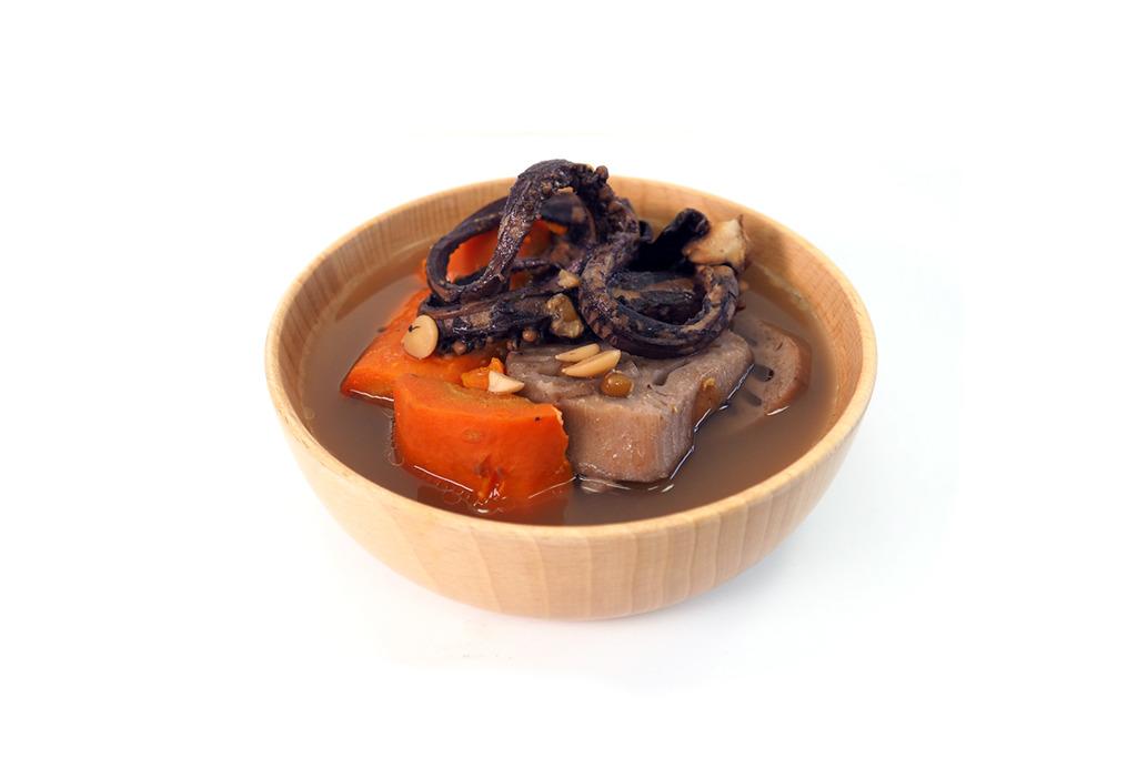 【秋天湯水】益血解毒紓緩乾燥  章魚蓮藕豬骨湯