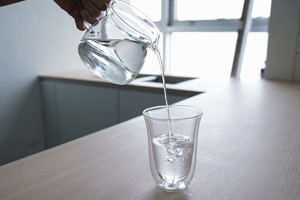 【腎石】每天喝8杯水已經過時!醫生教你4式預防腎結石+結石成因/治療方法