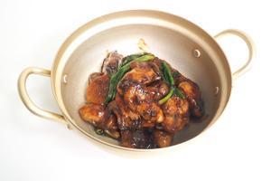 【中式食譜】6步完成大排檔風味煲仔菜 惹味薑蔥蠔煲
