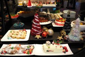 【聖誕自助餐】灣仔諾富特世紀酒店Novotel Le Cafe推出$335聖誕自助餐!任食火焰雪山/即開生蠔/威靈頓牛柳