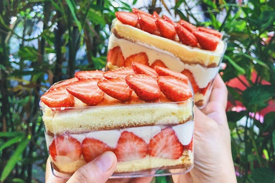 【台灣美食】甜食控必試!台灣人氣甜點店推期間限定士多啤梨便當 雙層蜂蜜蛋糕包住大粒香甜士多啤梨