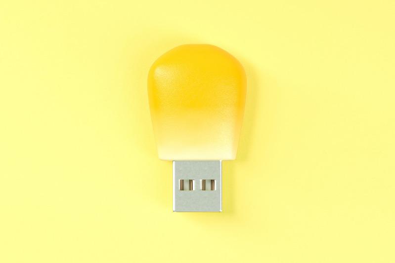 【日本雜貨】瞬間變原條粟米!日本設計師創意發明  超搞笑粟米粒USB