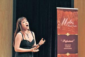 聲樂老師媽媽 用音樂帶出積極信息