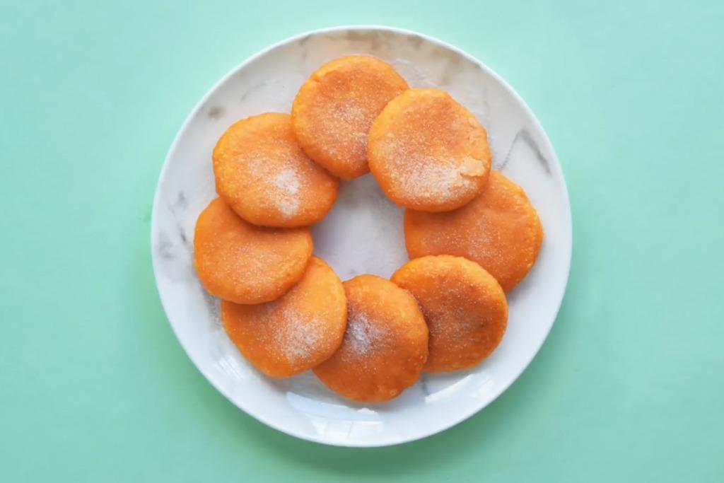 【甜品食譜】簡易煙韌甜品食譜 4步完成流心芝士黄金甜薯餅