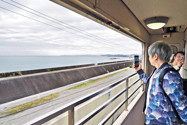 搭高知鐵路 訪麵包超人主題車站