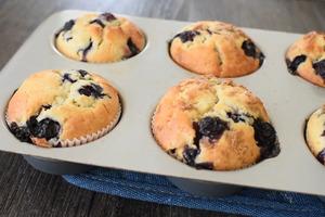 【蛋糕食譜】3步簡易超鬆軟蛋糕  藍莓乳酪鬆餅食譜