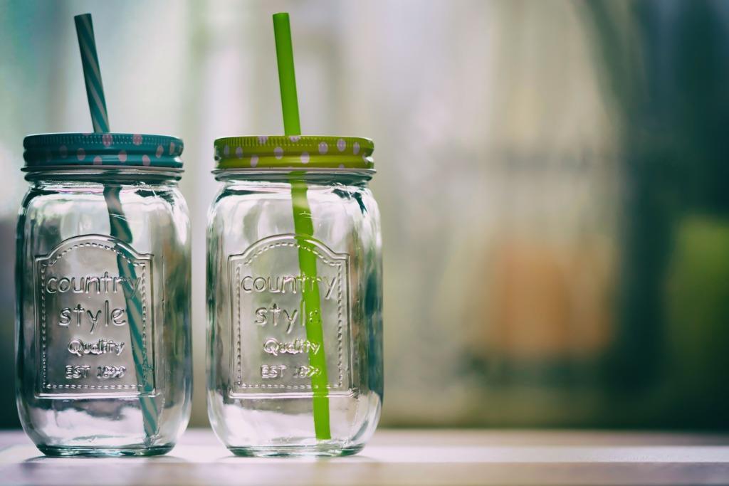【塑膠熱水】台女疑膠碗飲熱湯患癌 醫生:塑化劑與乳癌息息相關