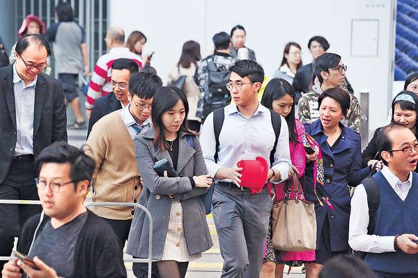 勞工假擬遞增至17天 商界倡每年加1日