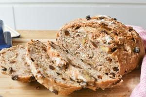 【麵包食譜】超簡單!零難度4步完成  免搓揉提子合桃麵包