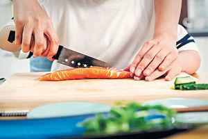 多吃三文魚合桃 識食助健腦