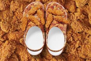 【潮物】KFC聯乘Crocs推出炸雞鞋 立體炸雞見到都流口水!