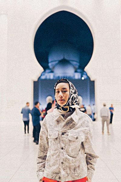 林嘉欣即興化身阿拉伯女郎