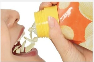 【零食神器】日本新推懶人恩物「零食瓶蓋」  零食可直接倒入口不怕弄髒雙手/更有防潮保存效用
