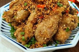 【中式食譜】簡易自製大排檔風味小炒 蒜香椒鹽豬扒