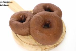 【麵包食譜】簡易自製煙韌口感麵包!    雙重朱古力夾心貝果