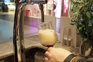 【新冠肺炎】政府宣佈抗疫新措施!將建議修例禁止領有酒牌的食肆及酒吧供應酒類飲品