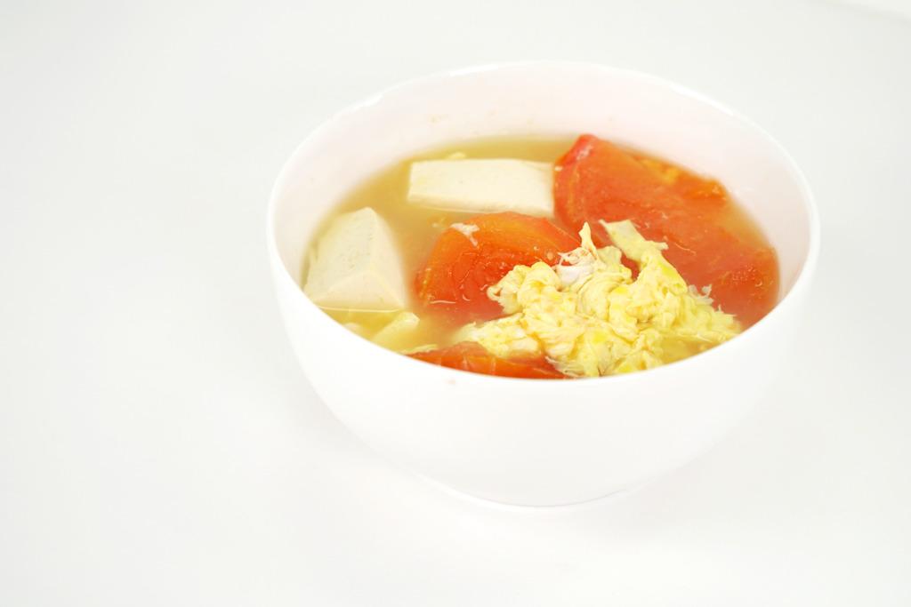 【簡易湯水】15分鐘快速完成!營養豐富中式湯水食譜   蕃茄豆腐蛋花湯