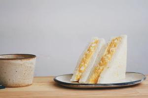 【三文治食譜】4步還原便利店鬆軟早餐   日式蛋沙律三文治