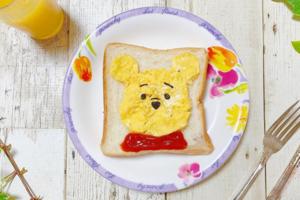 【Winnie the Pooh卡通料理】自家製小熊維尼炒蛋多士 新手都可以輕鬆完成!