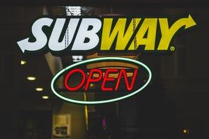 【餐廳排行榜】全球最大連鎖快餐店排行榜 第一名有超過40000間分店!