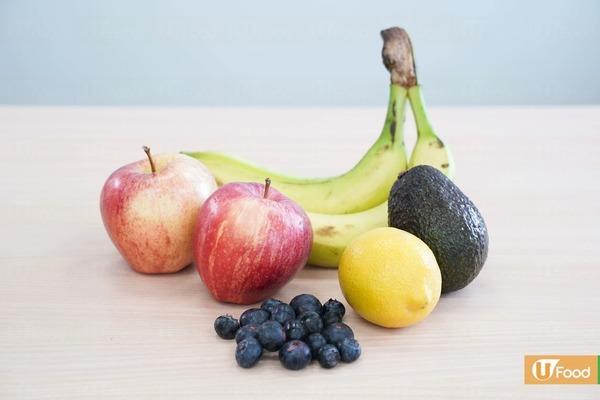 2. 水果  水果的糖分天然,比一般甜食健康,可以補充能量和各種營養,內分泌及糖尿科醫生袁美欣指出水果不宜在與正餐一起食用,這樣會令血糖升得太高,但可作為餐與餐之間的小食。