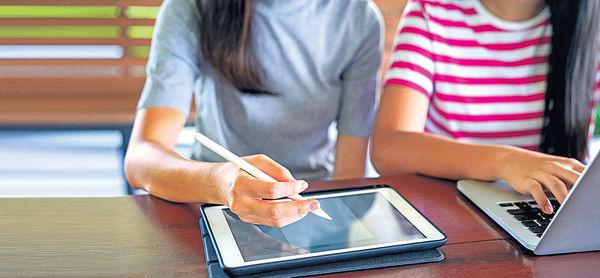 網上學習避疫 1成學生卻家無電腦