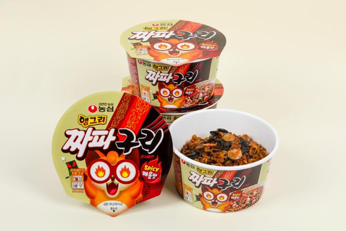 【寄生上流炸醬麵】韓國農心推出炸醬烏龍麵杯麵版!重現《上流寄生族》浣熊炸醬麵