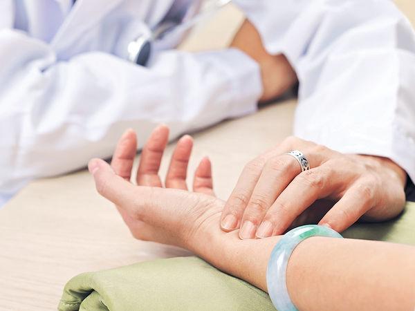新冠肺炎出院病人 獲10次免費中醫服務