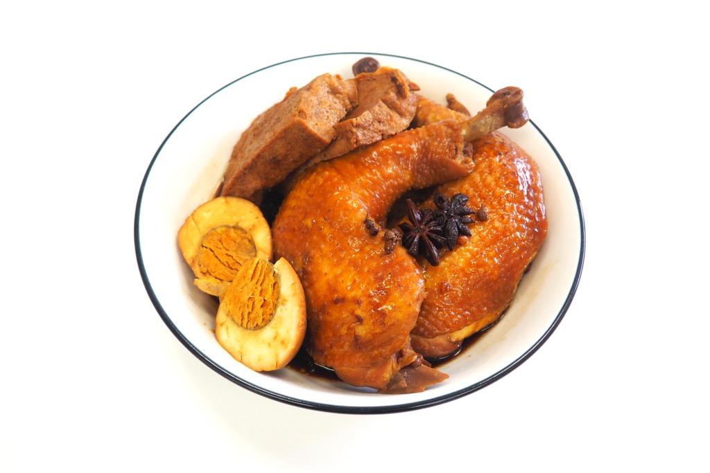 【電飯煲食譜】超簡單!輕鬆3步完成電飯煲滷水雞髀 入味肉質嫩滑~