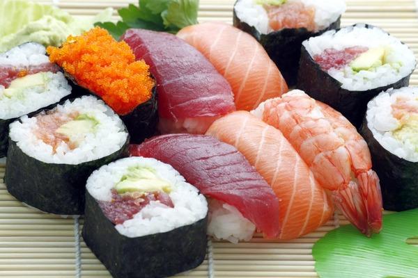 【壽司卡路里排行榜】20款壽司卡路里排行榜 三文魚籽最低卡/吞拿魚第7