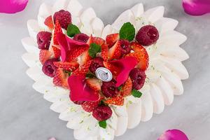 【母親節禮物2020】Le Dessert推出母親節限定甜品 超精美心型造型Pavlova蛋白餅
