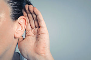 戴耳機聽歌瞓覺 易致外耳道發炎