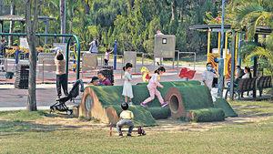 親子好去處 市區綠油油草地 紮營野餐齊放電